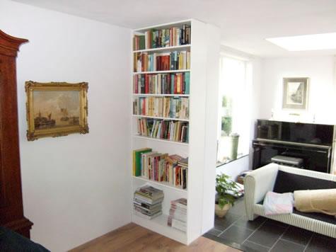 witte inbouw boekenkast 1