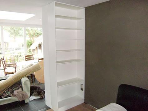 witte inbouw boekenkast 3